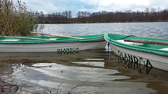 łódki na rzece