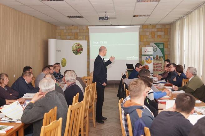 konferencja o insektycydach i innych środkach ochrony roślin