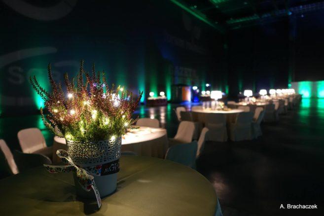 udekorowana sala konferencyjna